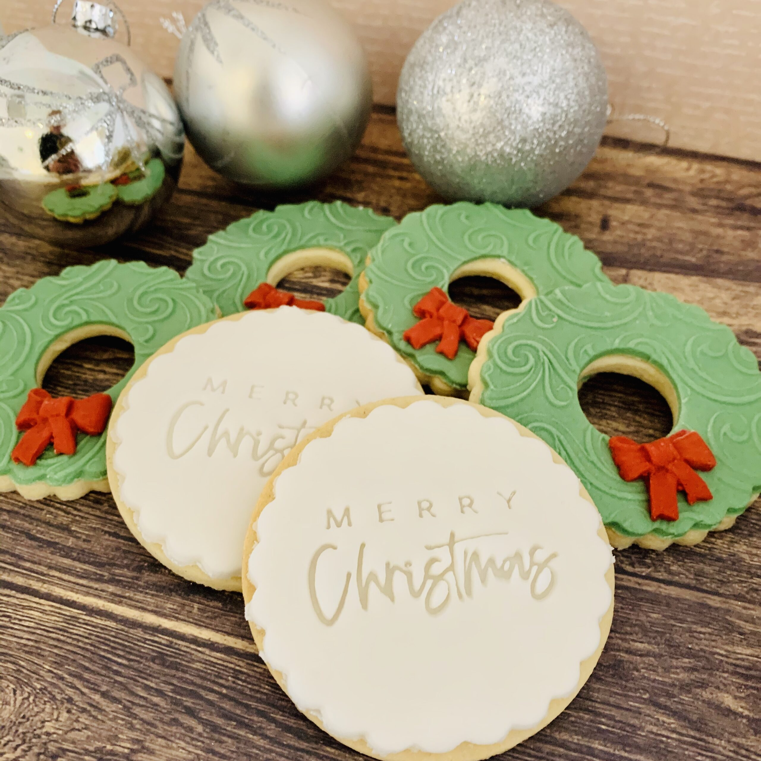 Festive Christmas biscuit gift box from Enchanting Bakes.